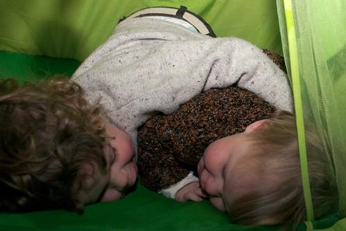 Maud en Daan in de tent
