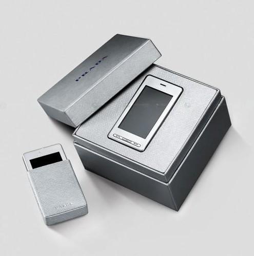 SILVER PRADA PHONE ( LG-KE850 )