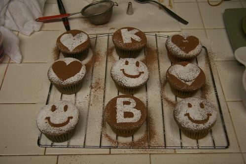 vegan cupcakes.