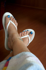 Aussie Icon #1 - Thongs. (endless beauty) Tags: summer white holiday feet toes relaxing australia thongs flipflops aus beachtowel summer08 bluepolishanyone fortheloveofsummer