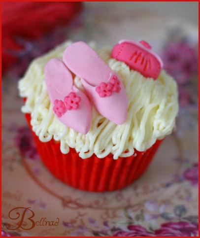 goes pink cupcake