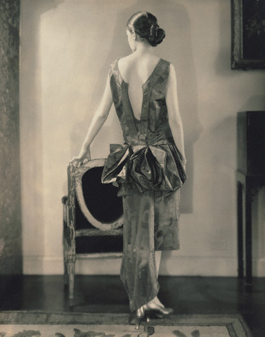 Edward Steichen, Marion Morehouse (aka Mrs. e. e. Cummings), Louiseboulanger dress, 1926