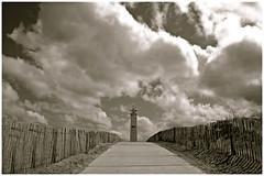 Noordwijk (www.hansvink.nl) Tags: sea lighthouse beach strand wolken zee vuurtoren noordwijk zand hanvink