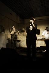 Entre sombras y humo 2 (Kkwt 90) Tags: b music del la nikon cara zaragoza musica funk hip hop gdf humo presentacion gordo conciertos d60 kkwt