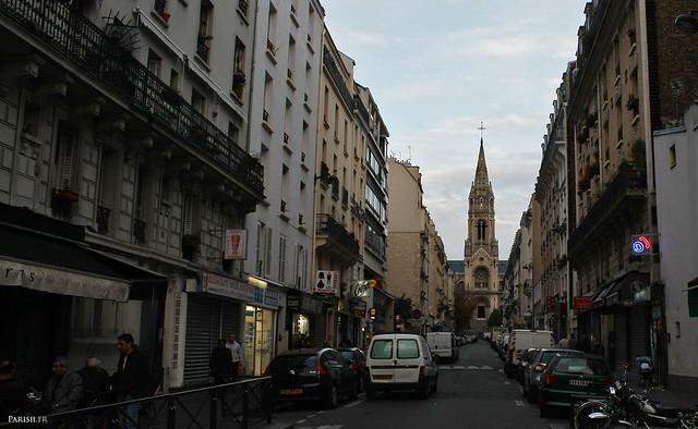 Au bout de la rue Etienne Dolet, l'église de Ménilmontant