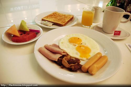 Cafe Palomar Big Breakfast