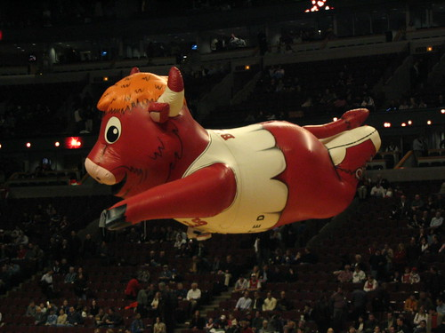 Bennie The Bull Fly High - flickr/Shogo