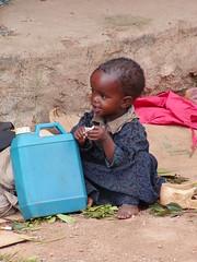 Nena a una plaça d'Harar