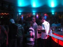 bar-crowd-2