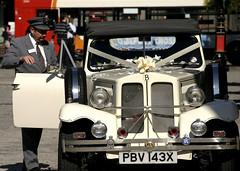 2115720304 dacd09783c m Alquilar un coche de boda con conductor
