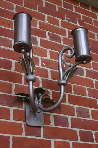 Detail light fixture front loggia, lower level