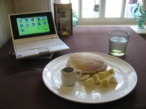 Pancakes and WiFi at Grandma's Kitchen