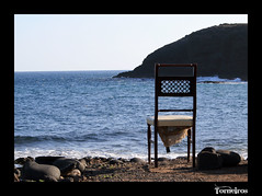 Esperaré mirando al mar (Manu_Alfaya) Tags: azul mar agua silla espera