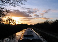 Boating sunset (Cyclingrelf) Tags: sunset kew canal boating coventry barge narrowboat bluetop canalboating coventrycanal