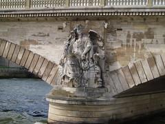 Pont des Invalides (jane_sanders) Tags: bridge sculpture paris france statue seine river boattrip laseine pontdesinvalides