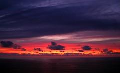 Ringleira de nubes (ntimo Extrao) Tags: sunset sea clouds mar nubes puestadesol solpor estacadebares chorimadexuo