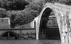 Devil's Bridge (Sh@niqu@) Tags: bridge bw italy river town italia fiume ponte tuscany maddalena devil toscana legend borgo bianconero garfagnana nam diavolo serchio