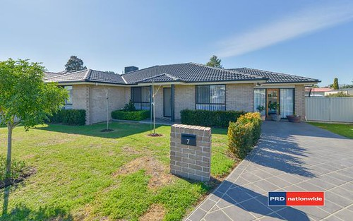 7 Mawson Close, Tamworth NSW 2340