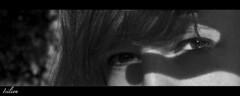 Mscara de Seduccin (Isilion_Angel) Tags: madrid park parque light shadow woman blancoynegro luz mystery canon blackwhite mujer eyes secret ojos seduction mirada secreto sombras masque misterio mscara elretiro parquedeelretiro seduccin canoneos400d