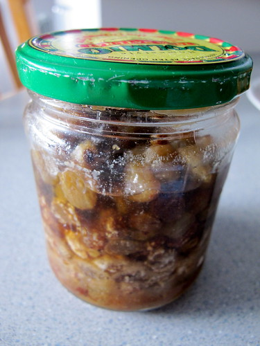 Sultanas in grappa