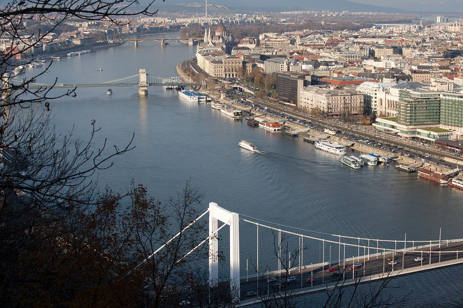 多瑙河上明珠。布達佩斯