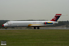 OY-JRU - 49403 - Danish Air Transport - McDonnell Douglas MD-87 - Luton - 100825 - Steven Gray - IMG_2325