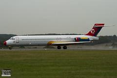 OY-JRU - 49403 - Danish Air Transport - McDonnell Douglas MD-87 - Luton - 100825 - Steven Gray - IMG_2325