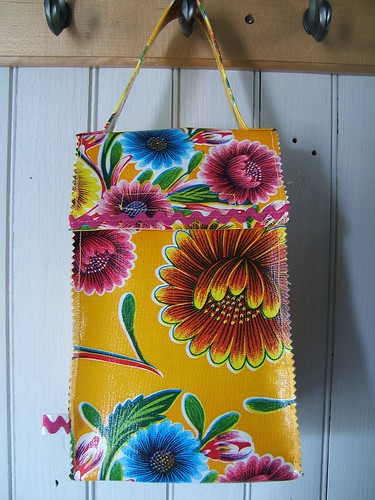 Big Blooms Oilcloth Lunch Bag 007