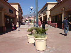 Desert Hills Outlet
