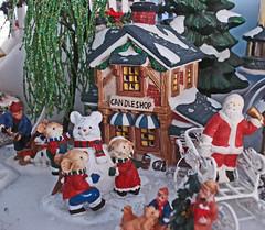 DSC07117 Christmas Village (Bisayan lady) Tags: santa christmas decor sleigh 2007 miniaturevillage miniaturehouse