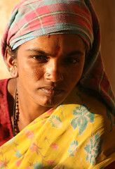 (Ehsan Khakbaz) Tags: portrait woman india face look work indian worker ehsan         ehsankhakbaz  khakbaz