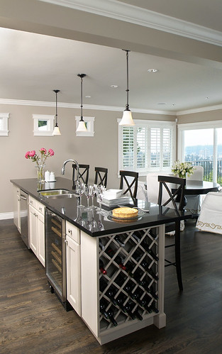 Luxury Liberty-style kitchen - by Artizen Home Renovations