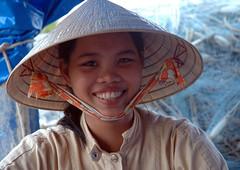 Vietnam - Ph Quc (Thierry B) Tags: world voyage travel sea portrait people mer portraits geotagged photo reisen asia asien southeastasia dr femme vietnam asie 2007 vitnam  photographies   vitnam  socialistrepublicofvietnam southeasternasia asiedusudest   phquc   thierrybeauvir  beauvir kiengianggolfdesiam wwwbeauvircom  droitsrservs