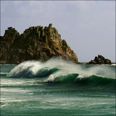 Empty wave - Logan Rock, Porthcurno, Cornwall (s0ulsurfing) Tags: ocean uk blue light sea england cliff sunlight seascape green beach nature water rock bay coast photo rocks flickr cornwall surf waves natural bright britain cove shoreline wave cliffs coastal photograph 500v50f shore getty coastline rollers swell olas 2007 porthcurno beachbreak westcornwall eow logansrock loganrock s0ulsurfing superaplus aplusphoto waveporn1 jasonswain