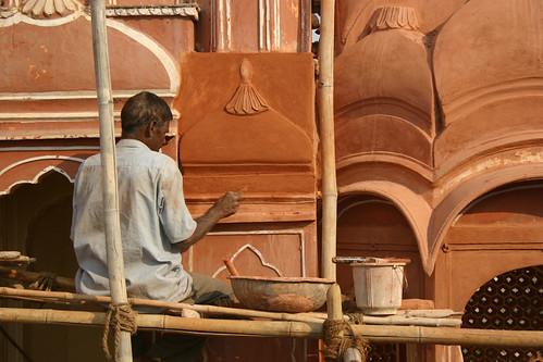 Repairing the Hawa Mahal in Jaipur, Rajasthan, India (November 2007)
