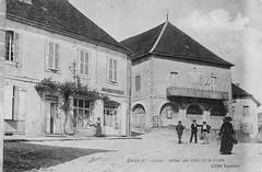 L'Hôtel de Ville et la poste d'Orgelet au début du XXème siècle