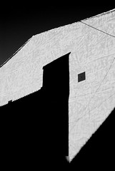 Hard shadowed house (Graniers) Tags: bw lines shadows nb ombres abstracture top20mn