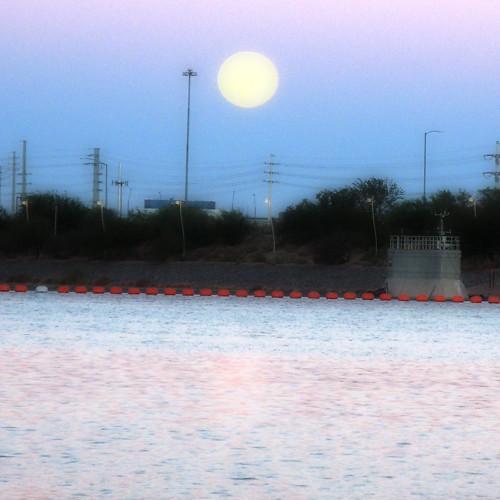 Tempe Town Lake at moonset/sunrise