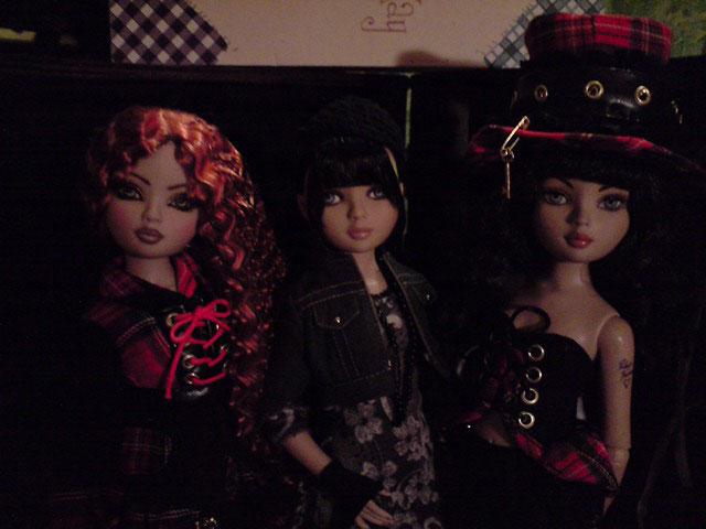 CharlIE :)) dans un beau pull rouge tricoté par Nadine :) Page 2 et 3 :) 2338444267_7a57223177_o
