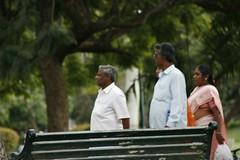 People strolling (Swami Stream) Tags: india gardens canon landscape botanical rebel bangalore images karnataka swami lalbagh swaminathan karntaka banaglore bengaluru xti 400d swamistream swamistreamcom