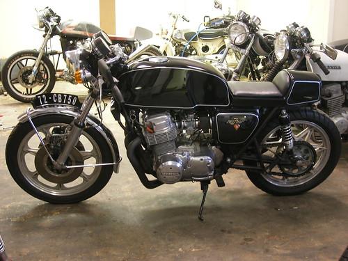 cb750 cafe racer. 1972 CB750 K2 cafe racer with