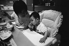 ~ (ken0915) Tags: bw baby naturas fujineopan1600