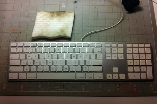 how to get rid of keyboard grease