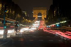 France - Paris 75008 (Thierry B) Tags: france night geotagged photography frankreich europe cityscape exterior photos nacht outdoor dr frana bynight geotag fr extrieur arcdetriomphe iledefrance nocturne champselyses parijs idf urbanscape pars parigi    geolocation pras  europen photographies 75008 2011     horizontales europedelouest   noctambule paysageurbain      photosnocturnes gotagg thierrybeauvir  beauvir wwwbeauvircom droitsrservs  20110607