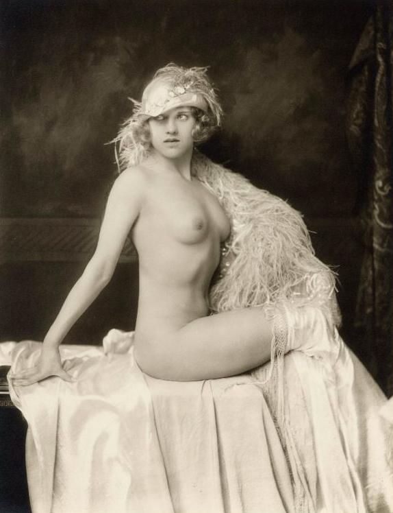 Sexy nude ziegfeld girl photo art, flapper image star louise brooks, johnston