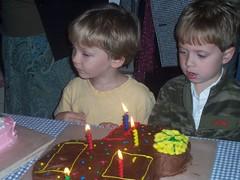 cullen (emmegab) Tags: birthday twins cullen