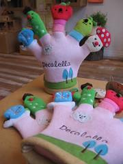 Washing glove (i_am_soylent_green) Tags: cute glove occupied decole decolello