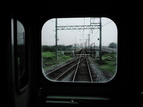 線路を渡る