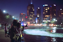 hello Melbourne (*Cyrus`*) Tags: people man river kid dof bokeh australia melbourne blurs agfaultra100 leicam6 nightimage summilux50mmf14 leicasummilux50mmf14ii auselite