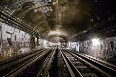 Métro parisien - Paris (Auré from Paris) Tags: light paris france night train underground subway wagon tag graf métro tube rail trail tunel dri ruraldecay ratp canoneos5d digitalblending stif auré